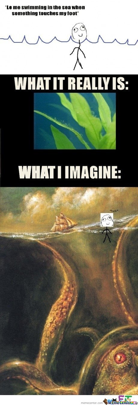 Le me swimming in the sea when someting touches my foot