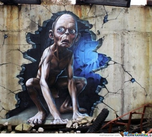 Unbelievably awesome Smeagel street art