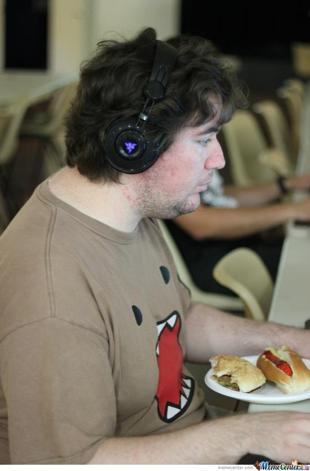 My Friends New Hands-Free Feeding System While Gaming...