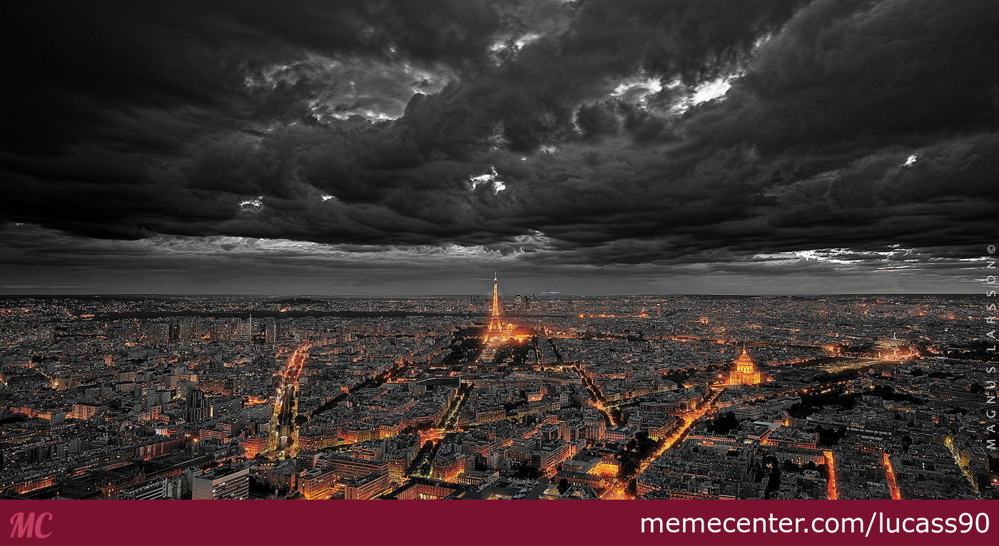 Paris at night time looks kind a like mordor don 39 t you for Paris night time