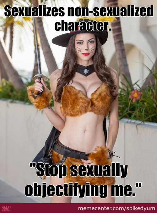 Comic-Con Girls. Y U No Make Sense?