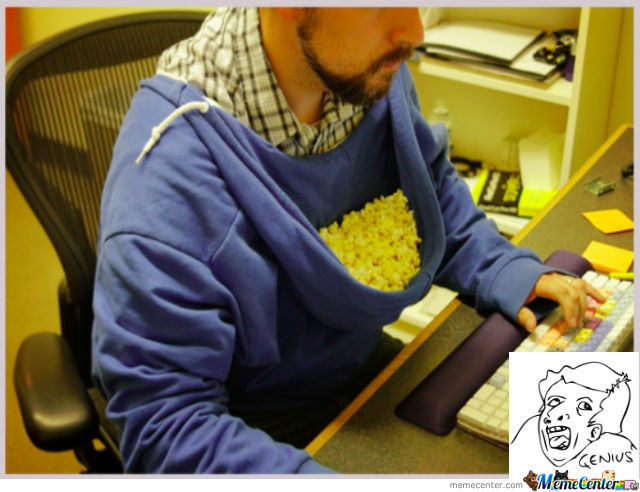 Easy Way To Eat Popcorn While Playing Computer