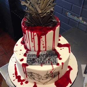 epic game of thrones cake with a twist by. Black Bedroom Furniture Sets. Home Design Ideas