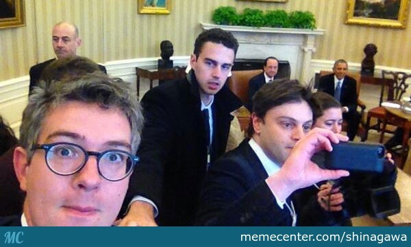 Those French Journalists Were Croped For Taking Selfies In The White House, Acting Like Real Tourists With Presidents Around ...