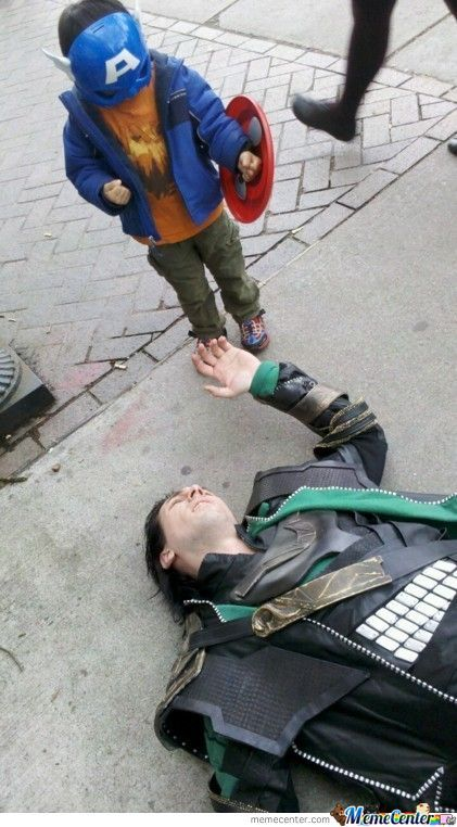 Tom Hiddleston Let This Little Kid Defeat Him !